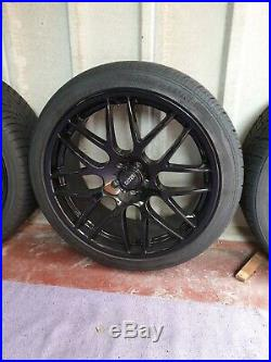 22 Landrover Range Rover black alloy wheels tyres, wheel nuts, locking nuts