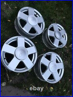 Ford fiesta zetec alloy wheels With Centre Caps, Locking Wheel Nuts. 4 Alloys