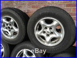 Land Rover Discovery Td5 Alloys with wheel nuts/locking nuts