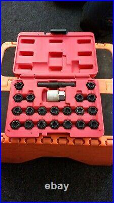 Sealey 22 piece locking wheel nut set for an Audi